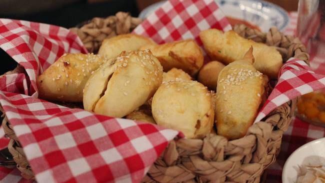 Piroger med lammkorv och surkål/sidfläsk och äpple