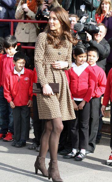 Kate Middleton - Kate Middleton Visits Rose Hill School 3