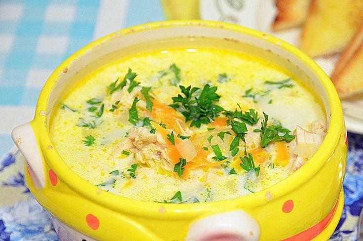 Сырный суп 😃😃😃  Калорийность на 100 г - 30 к    Ингредиенты на 1,5 литров воды:   1,5 штуки плавленного сырка (берите проверенный, ведь от его вкуса зависит весь супчик)  1 небольшая морковь  1 небольшая луковица  4 средних картофелин    Приготовление:  1. Почистить картофель, нарезать небольшими кусочками и положить вариться.  2. Морковь натереть, лук мелко порезать, потушить на раст. масле (1 чайная ложка).  3. Положить к картофелю морковь с луком, сыр порезать кубиками и тоже кинуть в…