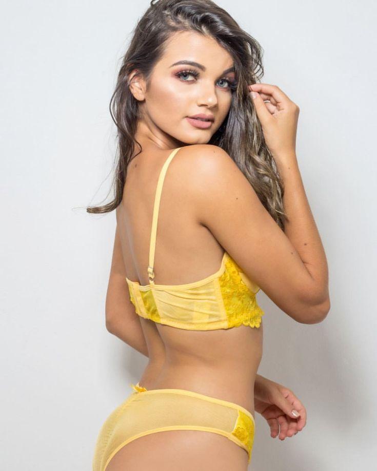 Sexy hunks Transsexual milf