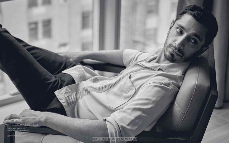Riz Ahmed por Charlie Gray para L'Officiel Hommes Levant