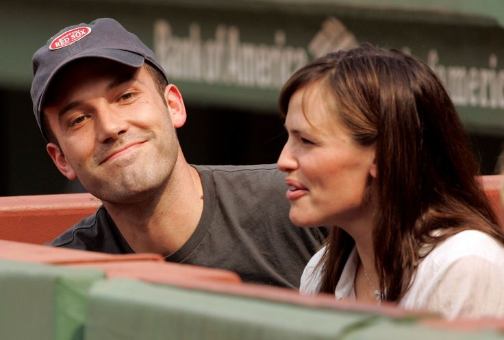Teams' famous sports fans - Ben Afflect & Jennifer Garner - Boston Red Socks
