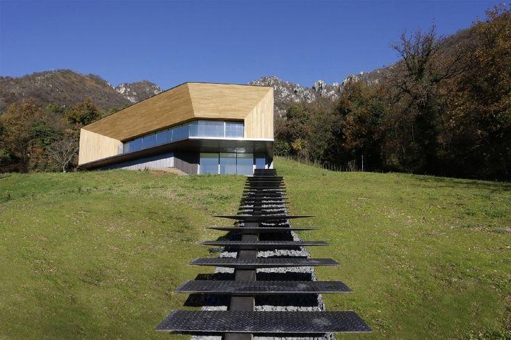 Minimalist Villa in Italian Alps Offers Expansive Valley Views