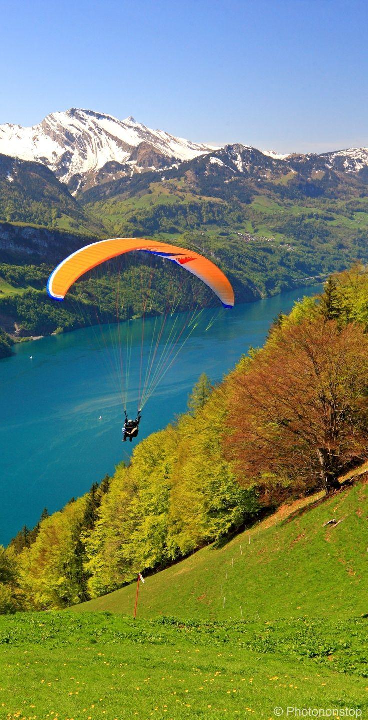 Initiation au parapente en Suisse