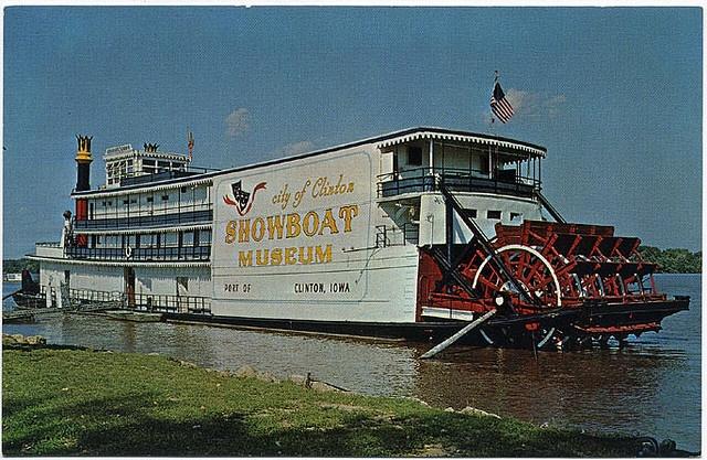 clinton iowa showboat