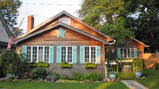 17 best images about exterior house paint on pinterest for Cottage style exterior shutters