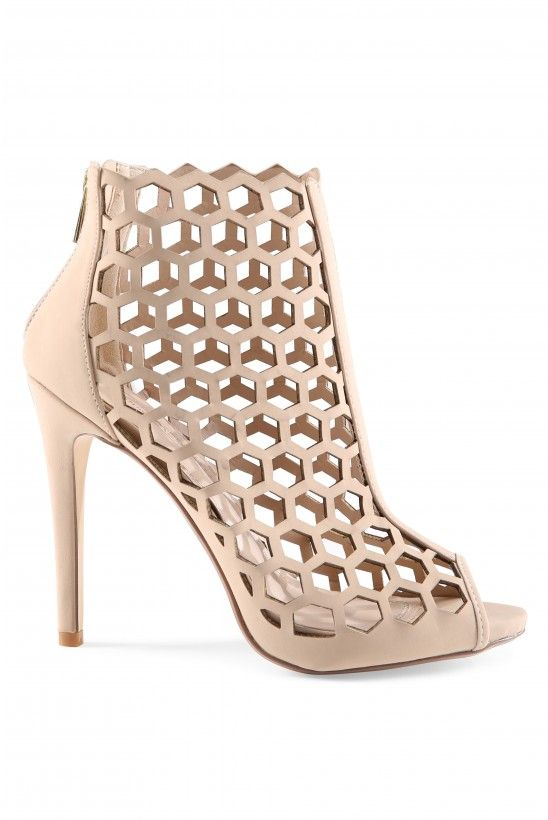 Chic Cut Pumps in Nude | Necessary Clothing
