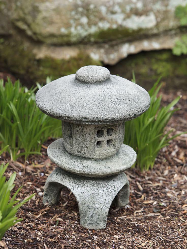 Les 25 meilleures id es de la cat gorie totems de jardin - Lanterne zen jardin ...
