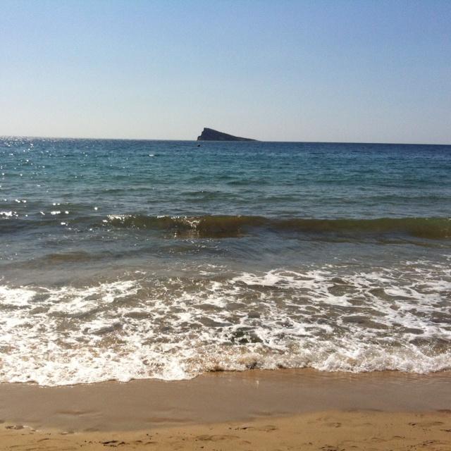 Benidorm a pie del mar
