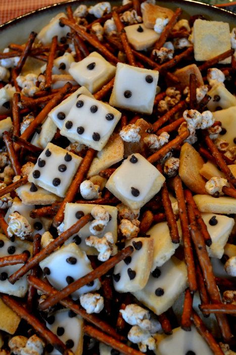 Great snack Mix to make for your next family game night.  OR your bunco group:)