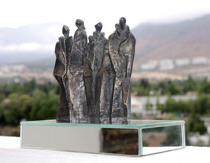 Escultura Peregrinos en espera