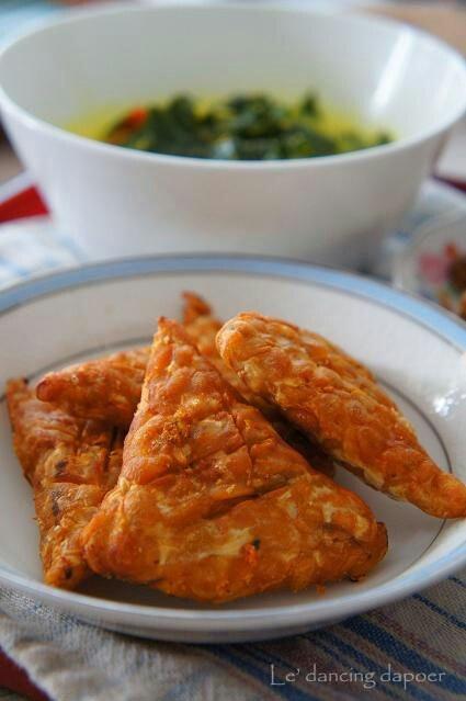 Tempe Goreng (fermented soya bean fried)