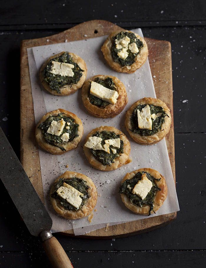 Spinach and feta tartlets on DrizzleandDip.com