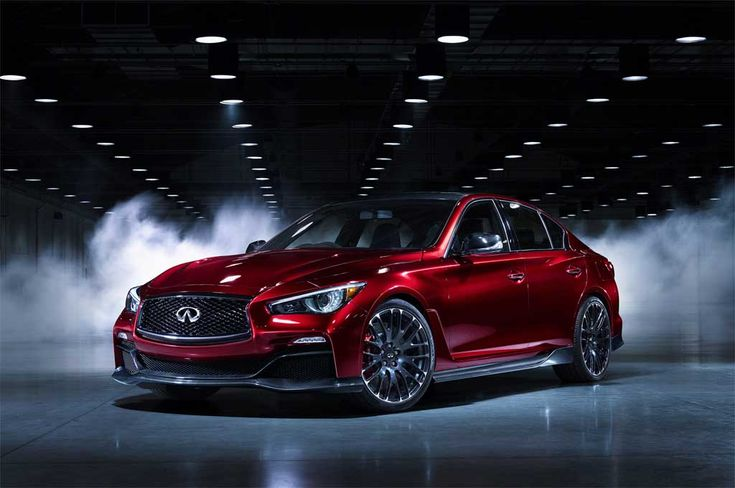 Even from afar 2016 Infiniti Q50 is amazing and primarily. When looking at the front of it becomes clear to what company made it. Infiniti Q50 had to confirm flagship brand, so the designers did a good job. See the meaning of power and luxury of everyday sedan - 2016 Infiniti Q50.