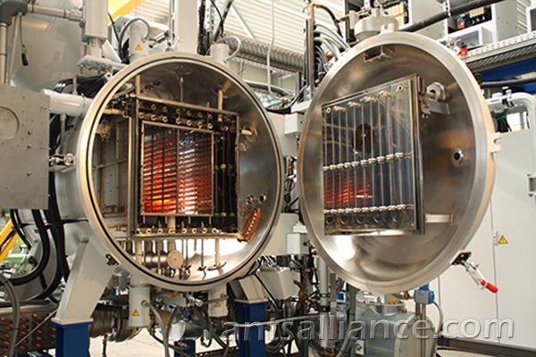 Metal Heating Vacuum Sintering Furnace Cong Nghiệp