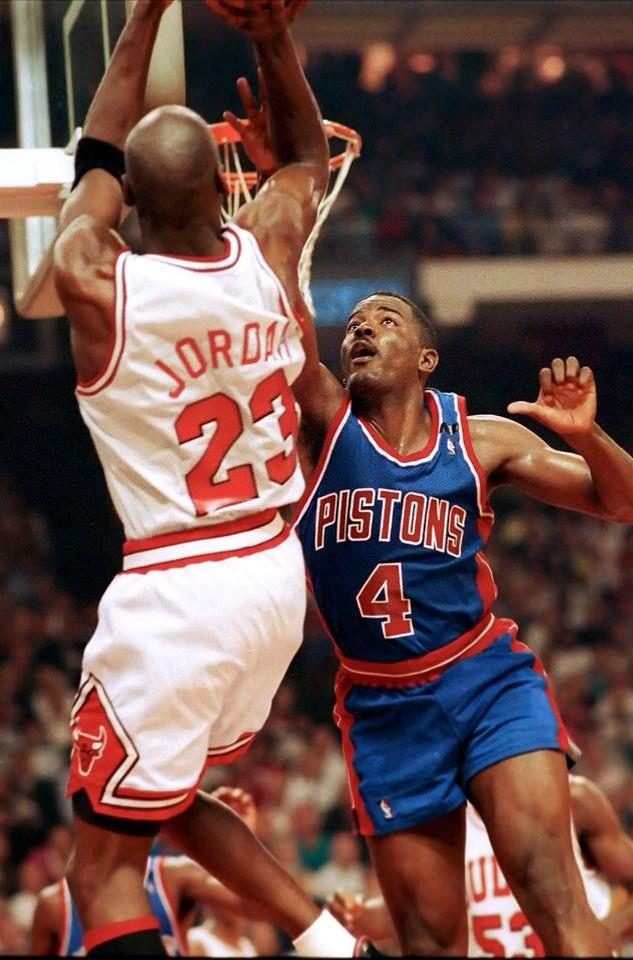 Michael Jordan fadeaway over Joe Dumars