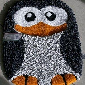 Tappeto bagno sagomato a forma di Pinguino. il tappeto è in ciniglia ...