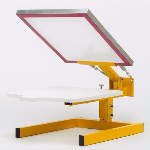 Our popular HPT1000 screen printing machine is the ideal solution for single-colour screen printing on to a variety of objects such as T-shirts, hoodies, sweaters, Jute's, bags etc. This manual bench-top model gives perfect print results on almost all textiles products as well as wood, leather and cardboard's.