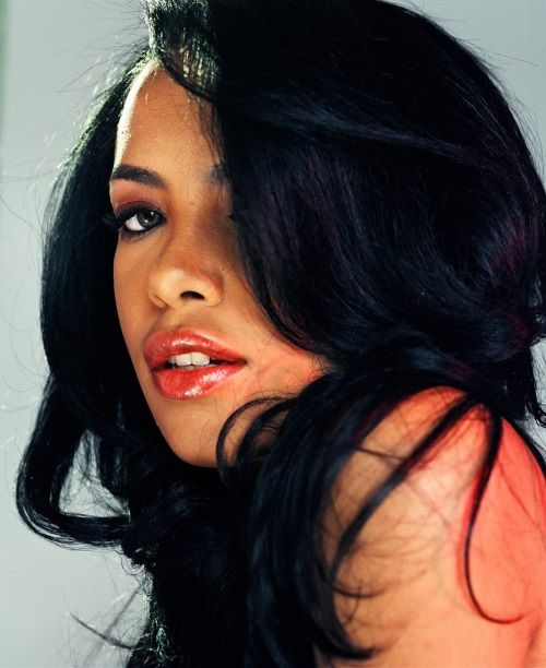 aaliyah vibe magazine cover | Photographer Shares Rare New Photos of Aaliyah in Honor of Her 35th ...