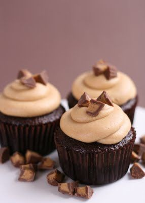 chocolate peanut butter cupcakes via @glorioustreats 5 STARS!