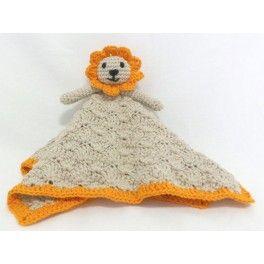 León con cuerpo de manta, hecho en ganchillo.