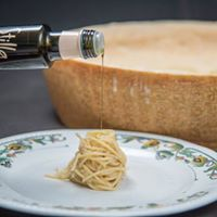 Shaghetti with parmesan cheese and truffel oil