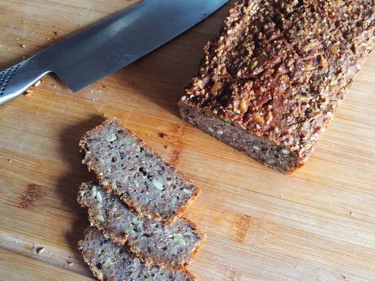 Rågbröd med surdeg och massa goda frön