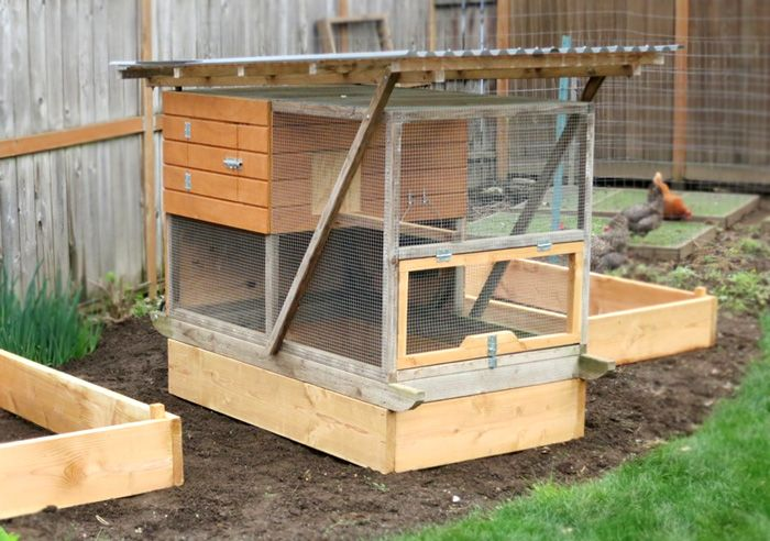 1000 Ideas About Mobile Chicken Coop On Pinterest Coops