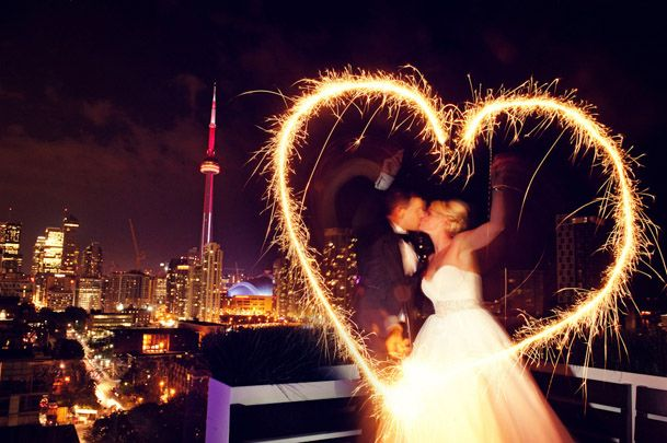 must have SPARKLERS! love this wedding picture!