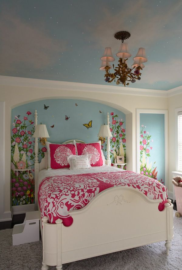 Ceiling, chandelier, bedding.