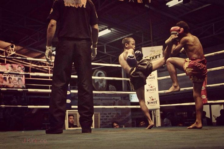 #muaythai  - Young boys fight at Thepprasit Stadium in Pattaya