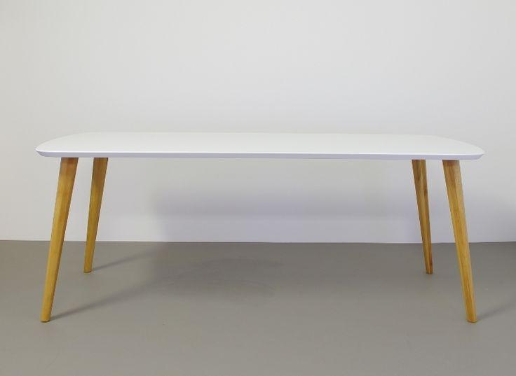 Frisse Retro look tafel Tomrer hout Deense stijl