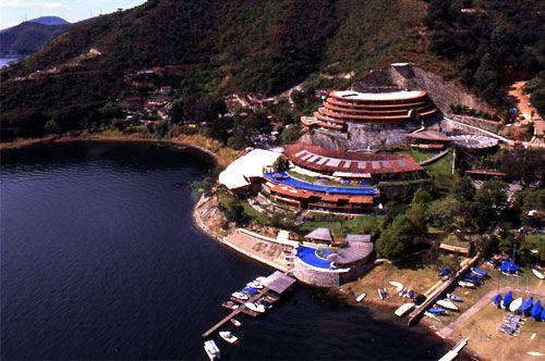 Arquitectura_Santuario_Hotel_Valle de Bravo_4_aérea