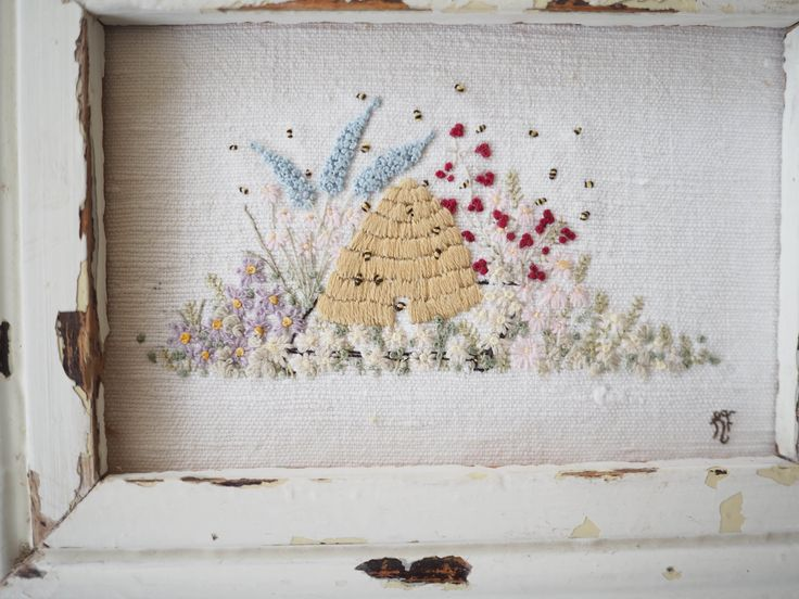 hand embroidered beehive vintage style