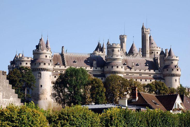 Château de Pierrefondsdépartement de l'OiseFrance49.346944,2.980278