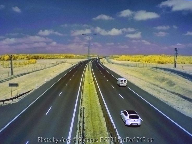 Autostrada A1 w okolicy Warlubia. Aparat Olympus E-520 InfraRed