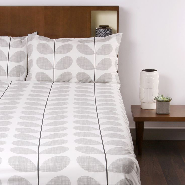 Discover+the+Orla+Kiely+Scribble+Soft+Duvet+Cover+-+Concrete+-+Super+King+at+Amara