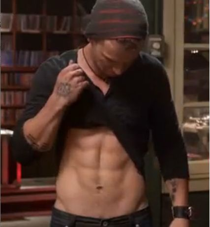 """Freddie Stroma Abs """"Pitch Perfect"""" movie 
