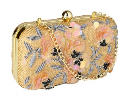 Zardozi Embroidered Beige Clutch Bag   #Ekatrra #Clutch #Handbag #Embroidered #Golden #Accessories #Purse #Indiandesigner #Traditional #Fancy #Follow #Gift #Onlineshopping #Womenshopping #Couture Shop Now: http://bit.ly/1nUSzKo