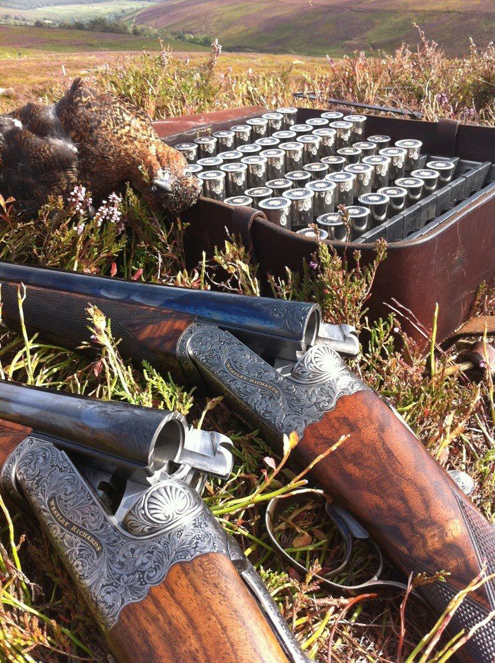 """thesportinggunblog: """" electricgatesuk: """" Westley Richards """" What looks to be a pair of Westley Richards side by sides. Built on boxlock actions with single triggers and quite substantial locking lugs...."""