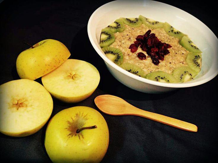 Finomság! Egészség! Boldogság!: Alma-kivi zabkása