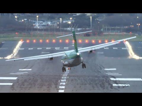 Oldalszélben leszálló, légcsavaros repülők Birminghamben