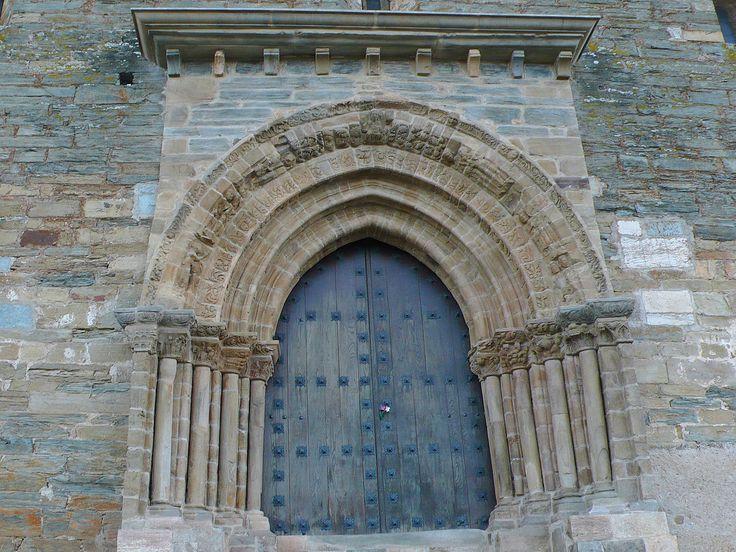 Puerta del Perdón de la Iglesia de Santiago Apóstol, Villafranca del Bierzo, León, Camino de Santiago
