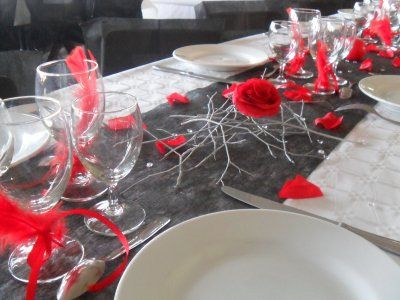D coration blanc rouge et noir mariage centre de table for Decoration table de noel rouge et blanc