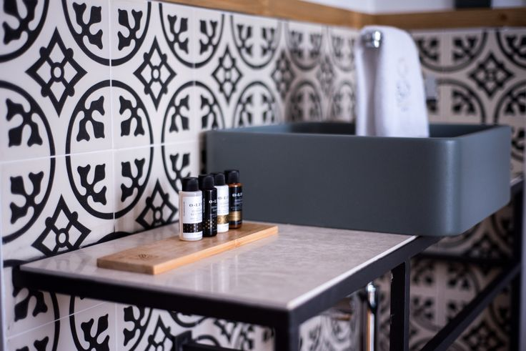 #hotelroom #bathroom #details #designhotel #boutiquehotel #sundaymood #minimal #aesthetic #olive #natural #greekproducts Ph by K. Sofikitis