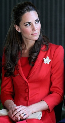 *KATE ~ wearing the diamond leaf brooch given to the Queen Mum in 1939 by the people of Canada. Btw, this links to a wonderfully detailed website about the Royal Jewels.