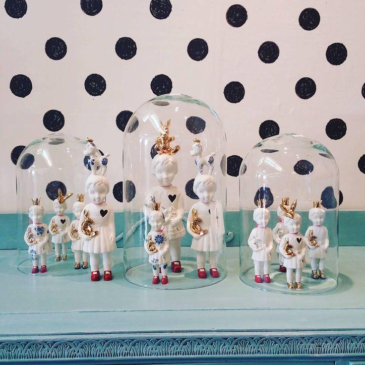 't Warme Huisje boutique in Warmenhuizen, Netherlands. Porcelain Clonette Dolls by Lammers en Lammers. #clonetteinacloche