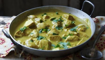 Rich, creamy chicken korma is usually forbidden territory if you're watching your weight, but we'd hate you to miss out so we've come up with our healthy chicken curry recipe. Add extra chilli if you like. 294 calories per portion (without rice)