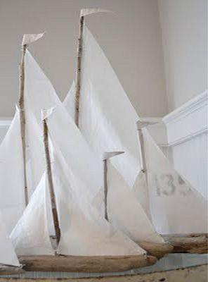 A l'abordage !!!! Très jolis bateaux à bricoler avec du bois flotté. Tuto ici : http://creatingalifenow.blogspot.fr/2013/07/driftwood-sailboats-tutorial.html