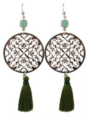 Leuke groene oorbellen te koop via  http://www.wenn-sieraden.nl/oorbellen-groen  #oorbellen #boho #earrings #shop #sieraden #sieradenparty #jewelry #party #musthave